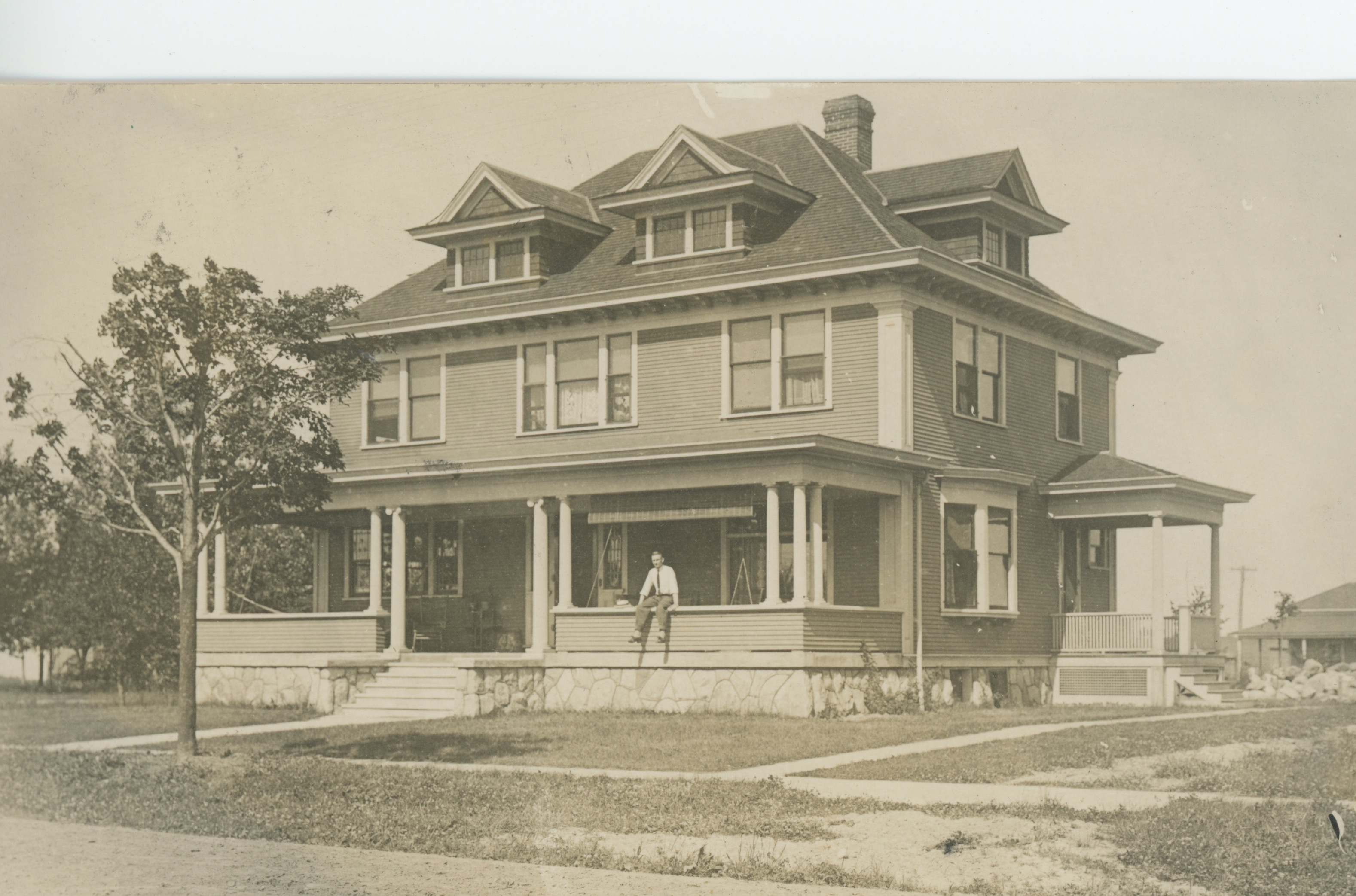 History of historic Mack house.